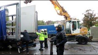 Marseille : des palissades de béton pour poursuivre le chantier de la Plaine