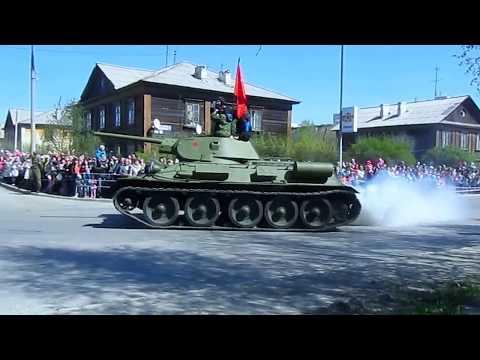 Парад военной техники времен второй мировой. Верхняя Пышма 9мая 2016г.