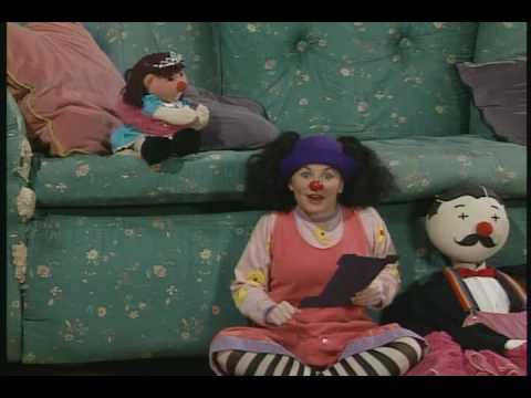 the big comfy couch clownvitation part 1 of 3 youtube. Black Bedroom Furniture Sets. Home Design Ideas