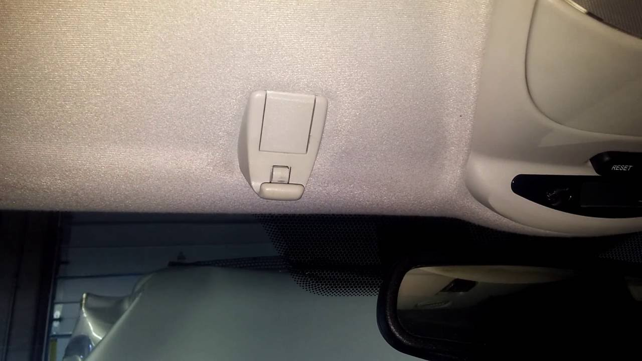 Mercedes benz how to remove replace sun visor clip youtube for Mercedes benz sun visor replacement