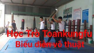 Học trò Toankungfu biểu diễn võ thuât_võ đường tiệt quyền đạo