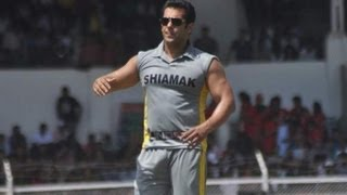 Salman Khan Plays Cricket For Charity thumbnail
