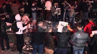 """A1 Report - """"Shqiptarja.com"""" në duart e protestuesve, lajmi shpresëdhënës"""