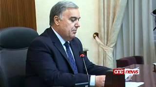 Lawrence Gonzi tilef il-maġġoranza fil-Parlament.