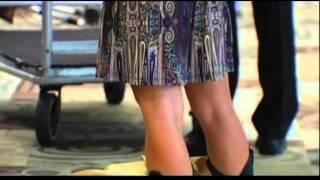 Беручи Повітряний маршал фотографії жіночих спідниць
