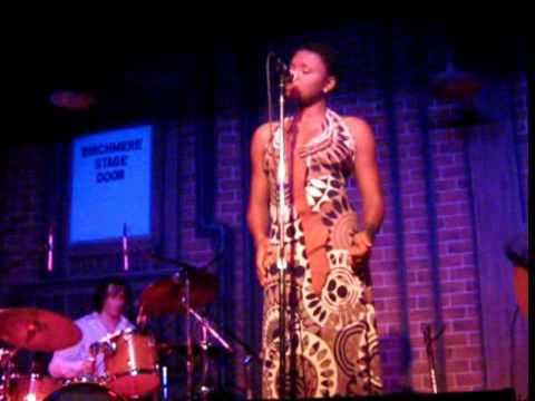 Lizz Wright 'Hey Mann' Live 04-07-10 015.wmv