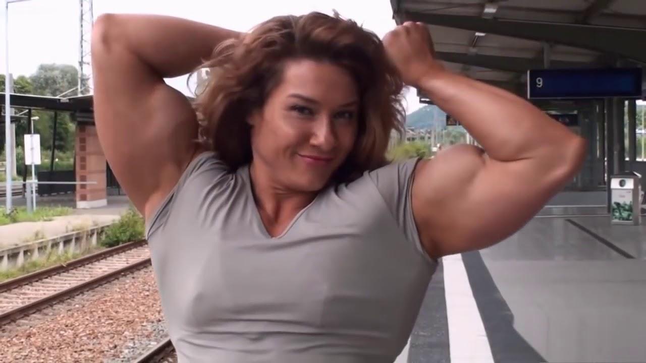 muscle lady handjob Big