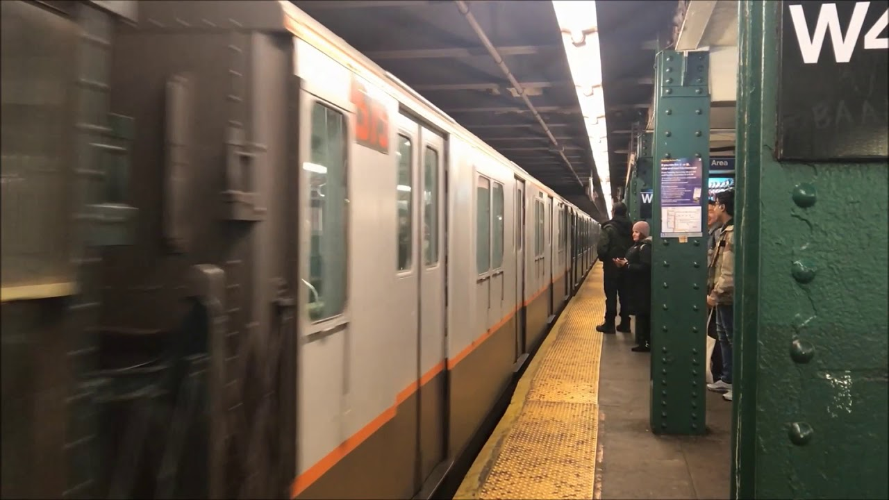 nyc subway holiday train 2017 on christmas eve - Subway Christmas Eve Hours