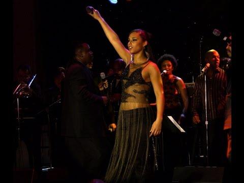 Alicia Keys & Friends Live Grammy Party 2004 (Low Quality)