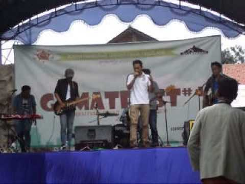 The MAMAKID - Lagu Urban (Steven and The Coconut Treez cover)