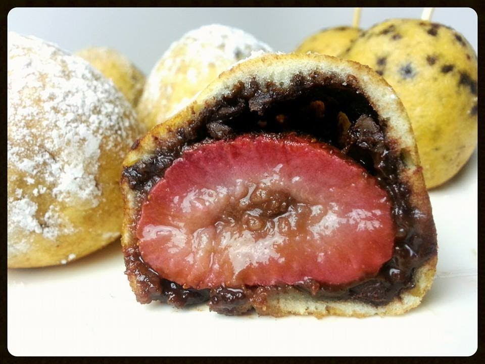 Deep Fried Chocolate Covered Strawberries Youtube