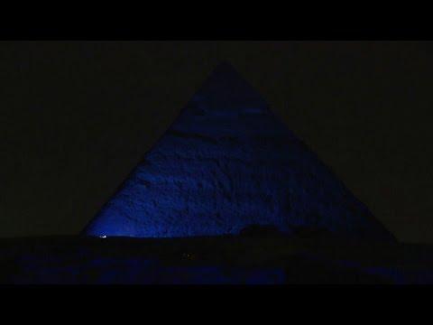 Egypt pyramids, Sphinx turn blue for UN anniversary