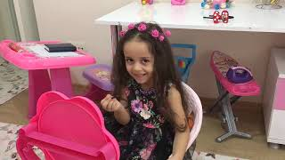 Mira Kendine Makyaj Yapıyor! Mira Pretend Play Dress Up & Kids Make Up Toys