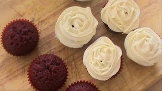 How to make Red velvet cupcakes || طريقة عمل الرد فيلفت كب كيك