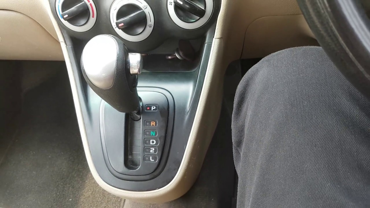 How To Drive An Automatic Transmission Car Hindi