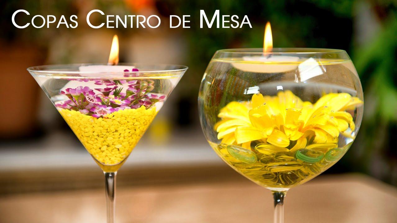 Centro de mesa copas con flores sumergidas y velas - Copas decoradas con velas ...