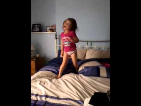 4 year old breacking her moves