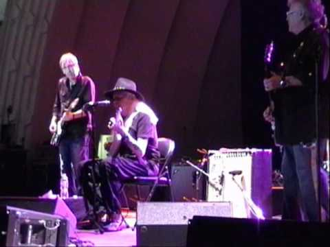 Rare Johnny Winter and Leslie West jam - Red House.