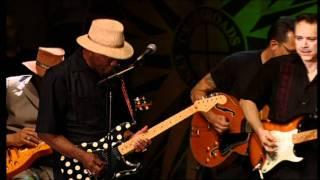 Eric Clapton/ Robert Cray/ Buddy Guy/ Hubert Sumlin/ Jimmie Vaughan - Sweet Home Chicago Live
