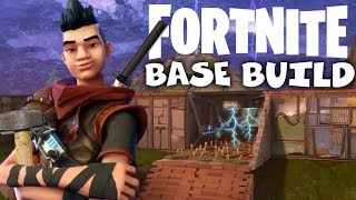 Pyramid Base with Trap Tunnels! - Fortnite Gameplay Xbox One
