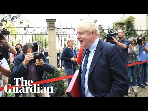 Johnson humiliated by Luxembourg PM at 'empty chair' press conference