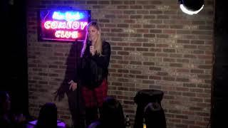Julie Stewart-Binks at New York Comedy Club 21619