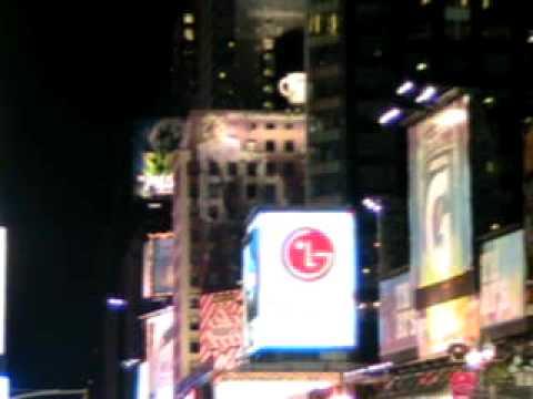081 New York City's Times Square.AVI
