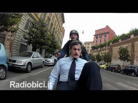"""Gianni Alemanno: """"A Roma ho fatto cose di sinistra""""-Radiobici"""