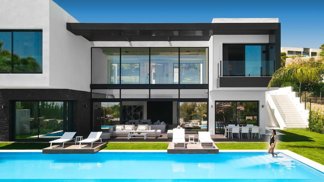 €3.300.000 Brand New Modern Villa with Golf and Sea Views in Marbella   Drumelia Real Estate