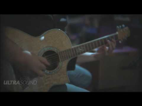 Guitarist Aaron Seals playing through the Ultrasound Pro 250 Acoustic Amplifier
