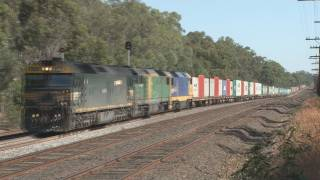Fast freight : Interstate express freight : Australian trains and railroads