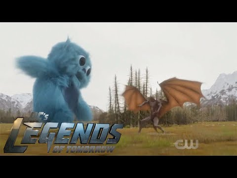 Beebo vs Mallus!!!! (hilarious) – Legends of Tomorrow 3x18 F