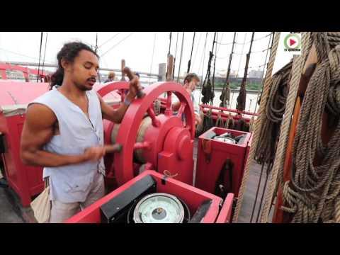 The Hermione Sails Into New-York Harbor - QUIBERON 24 Television