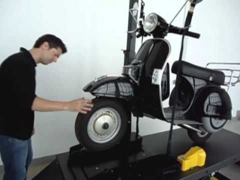 D mo table l vatrice pneumatique capelec youtube for Table elevatrice moto