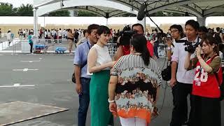 スー女である市川紗椰さんが、高安のお母さまにインタビュー中です。市...