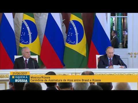 Michel Temer faz declaração à imprensa após encontro com Vladimir Putin