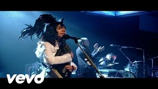 PJ Harvey - The Words That Maketh Murder