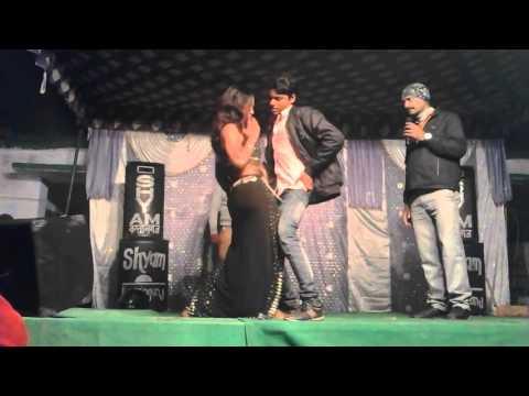 Arkestra song 2 ( Bhojpuri funny dance by Kamlesh Yadav. ) 2016