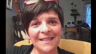 Extrait: Les selles de bébé (vidéo en direct)