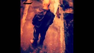 2pac /  Makaveli - Hold ya head 1996 - 2012  im alive