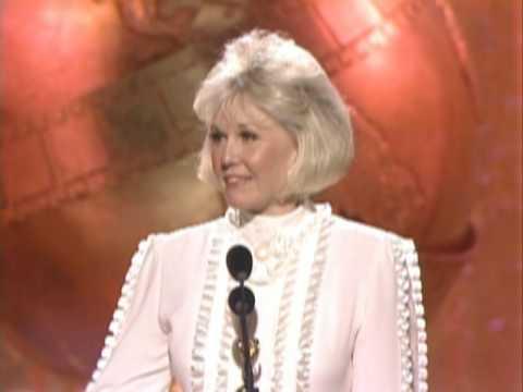 Doris Day Receives the Cecil B. Demil Award  Golden Globes 1989