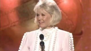 Doris Day Receives the Cecil B. Demil Award - Golden Globes 1989