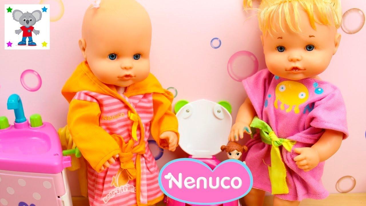 Aventuras en el ba o de las beb s nenuco hermanitas - Nenuco bano de burbujas ...