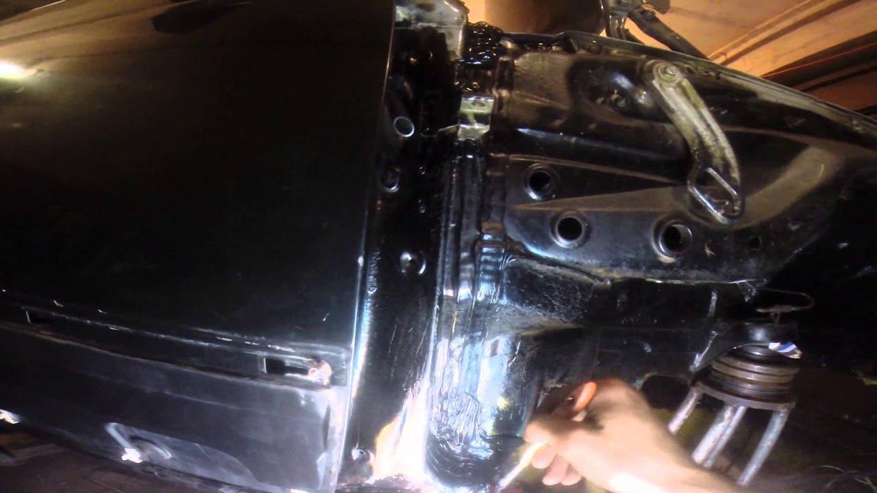 №9. Ремонт W124. Обработка шва порога и лонжерона герметиком.