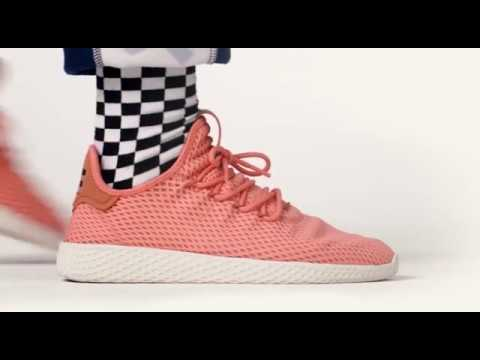 separation shoes b7ac6 30dbf Les Nouvelles Baskets de Pharrell Williams   adidas® HU ! - YouTube