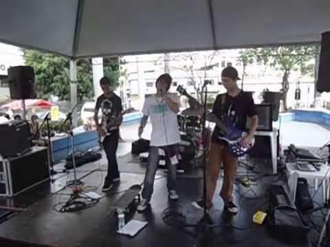 """Atomic Breath no festival """"Independência ou Rock"""""""