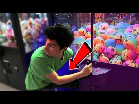 Thumbnail: NEVER DO THIS AT THE ARCADE!!