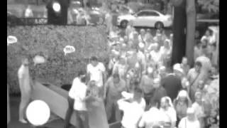 Православное стадо ворвалось на фестиваль «Серебряный дождь»(«Серебряный дождь» опубликовал видео прорыва православных активистов на концерт радиостанции. На записи..., 2015-07-06T20:29:47.000Z)