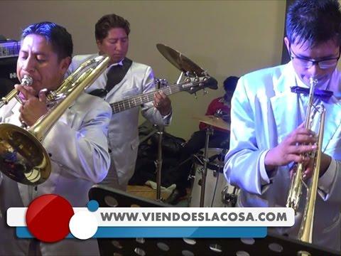 VIDEO: YANET Y LA BANDA KALIENTE - Entre El Amor Y El Odio - En Vivo - WWW.VIENDOESLACOSA.COM