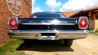 1965 Ford Galaxie 500 idling